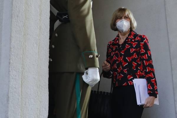 Encuesta Cadem: Evelyn Matthei se impondría a Lavín en primarias de Chile Vamos