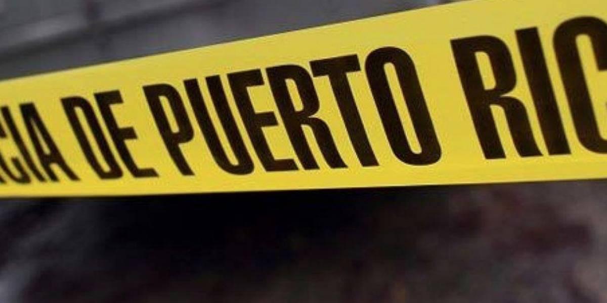Cierran tramo de Expreso PR-22 en Barceloneta por asesinato
