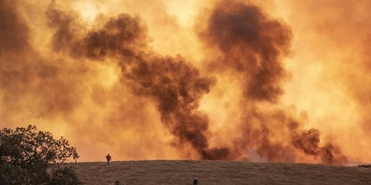 España: Incendio forestal obliga a evacuar a 3,100 personas