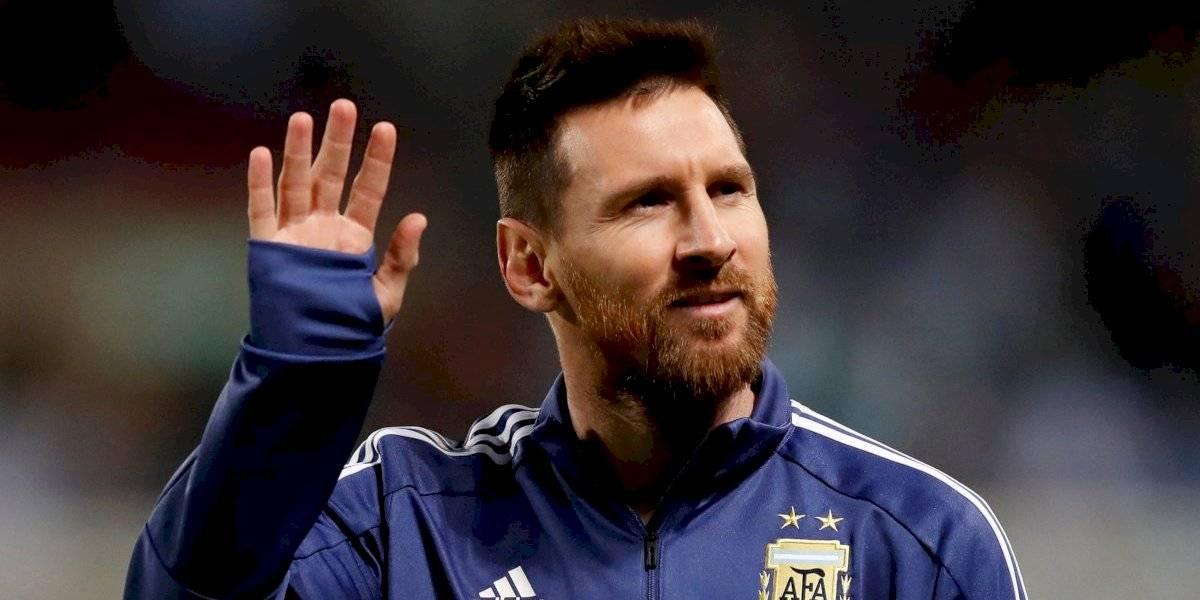 "Presidente de Argentina le pide a Messi que vuelva al país: ""Danos el gusto de venir a terminar tu carrera a Newell's"""