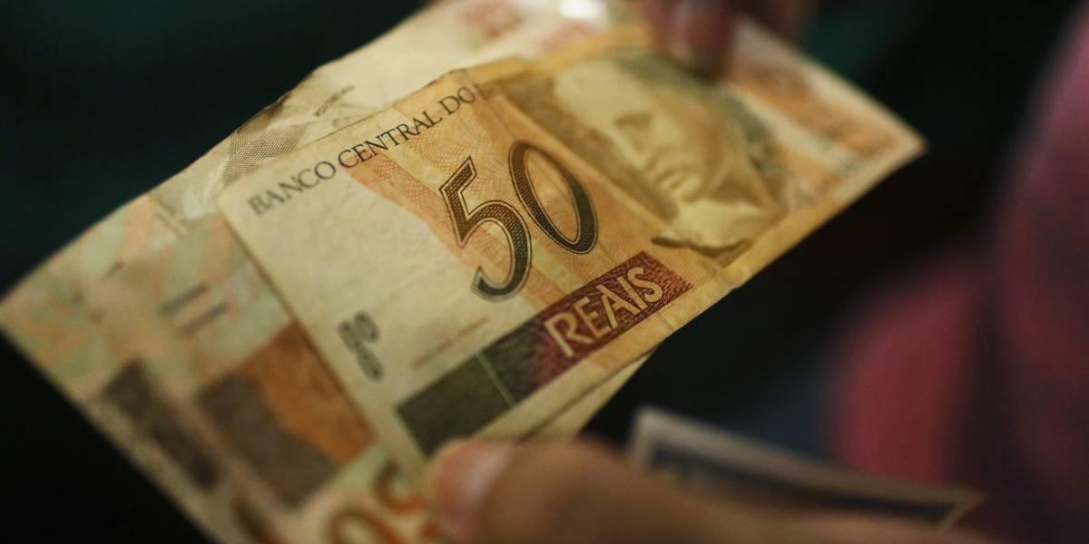 Economía.- El mercado financiero brasileño modera sus previsiones sobre el PIB, con una caída del 5,3%