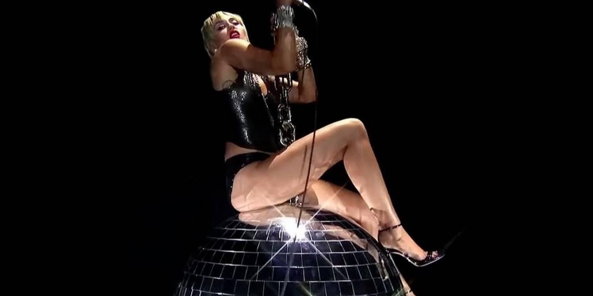 Cultura.- Miley Cyrus rememora su Wrecking Ball en su actuación en los VMAs 2020