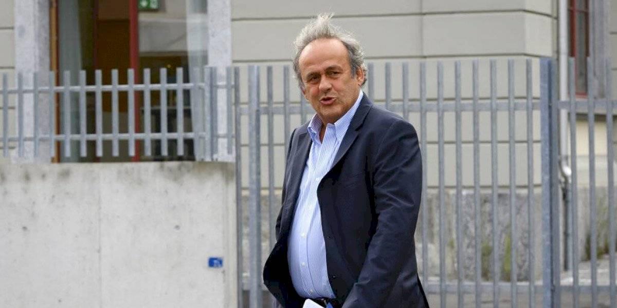 Platini es interrogado en Suiza por pago proveniente de FIFA