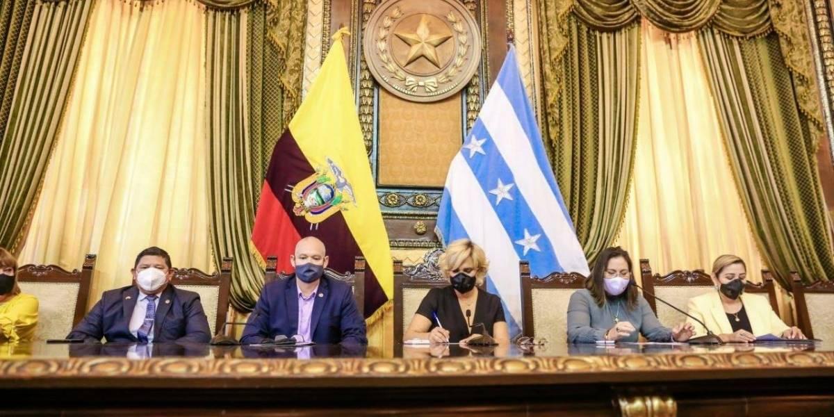 Más Guayaquil en su edición de agosto: Guayaquil se levanta con firme disciplina