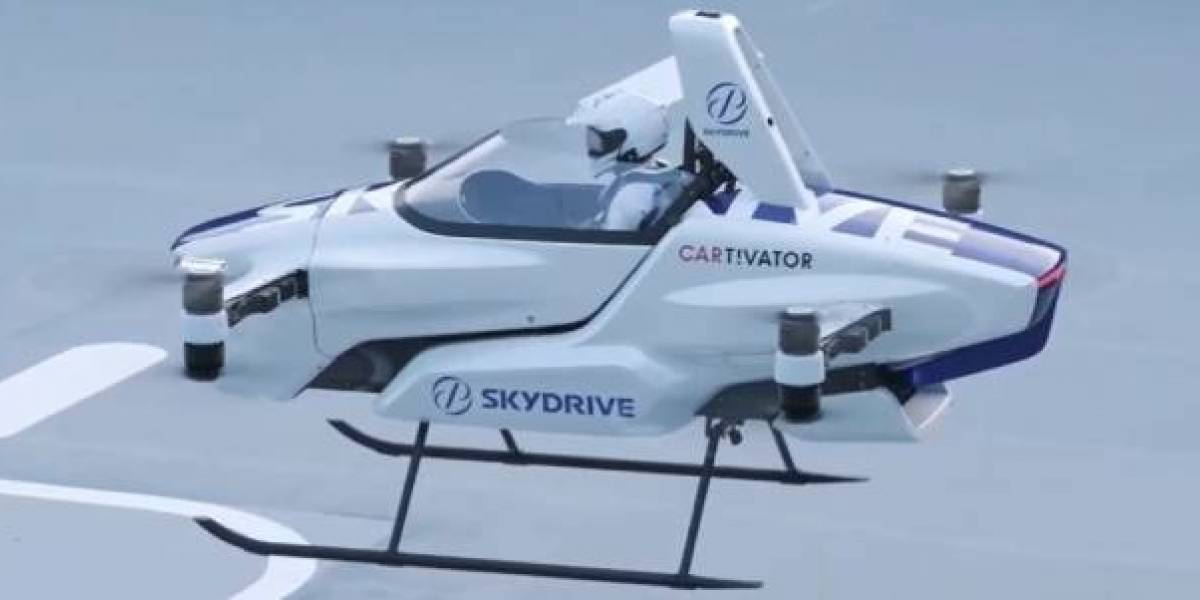 El auto volador de SkyDrive cumplió con su primer recorrido tripulado