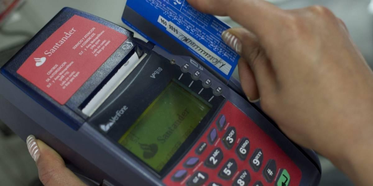 Crédito al consumo cayó 8.9% anual durante julio: Banxico