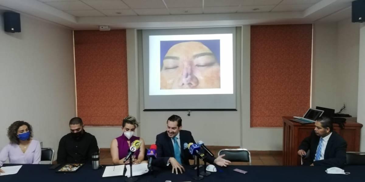 Denuncian cirujanos plásticos falsos, muere una mujer por mal procedimiento en León