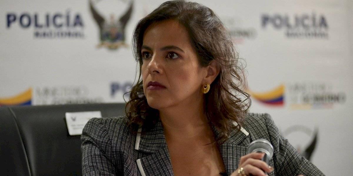 "Redes sociales ""estallan"" por blusa usada por la ministra María Paula Romo"