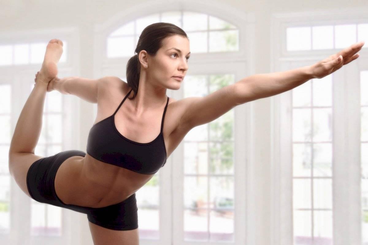 Los ejercicios de yoga nos ayudan a quemar calorías