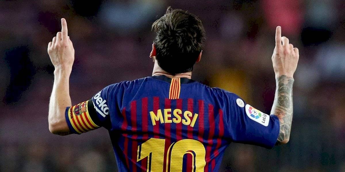 No quieren que se vaya: Barcelona da a conocer imagen publicitaria de su nueva camiseta con Lionel Messi como protagonista