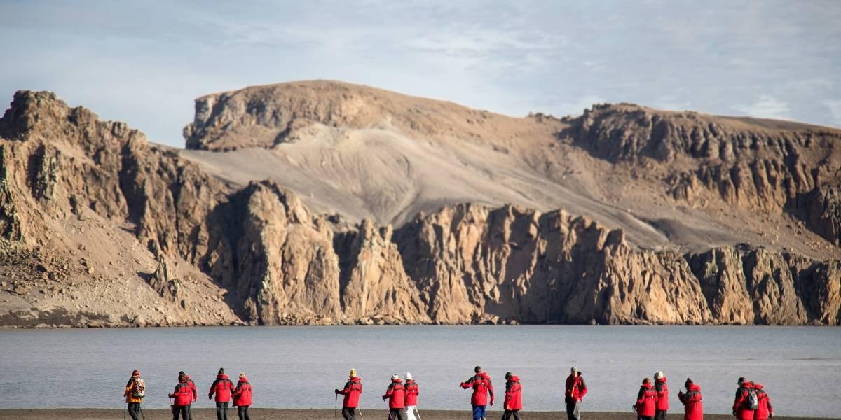 Ola de sismos diarios de más de 5 grados en la Antártida chilena: antes se siente un ruido fuerte que extraña a los expertos