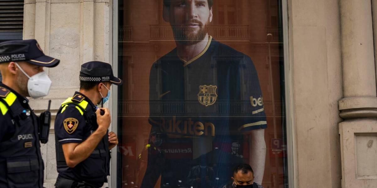 """¿Lionel Messi jugaría con CR7?: Juventus entra a la pelea por """"La Pulga"""""""
