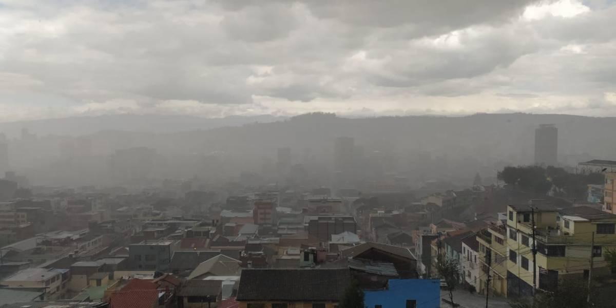 Granizo y lluvia en el sur de Quito; sol y cielo despejado en el norte: ¿Qué dice el Inamhi?