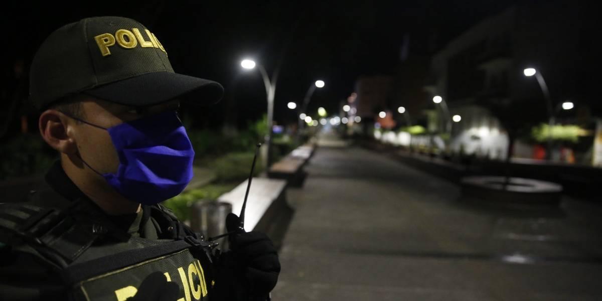 Ataque armado en Caucasia deja dos policías muertos y uno herido