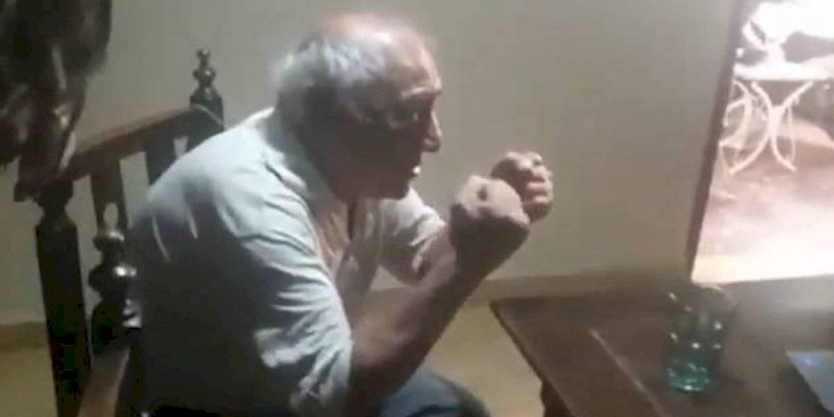 Emotivo video: el conmovedor festejo de un abuelo al enterarse por Zoom que su nieto se recibió de abogado