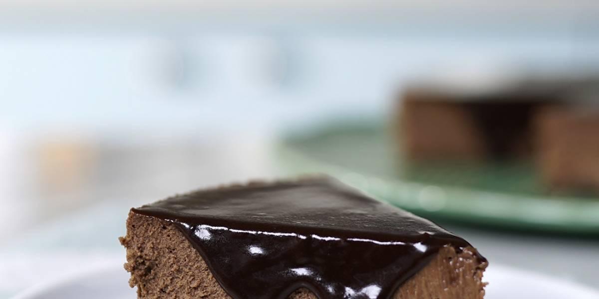 Veja como fazer um cheesecake de chocolate delicioso