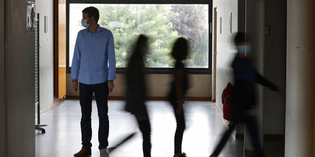 Francia cierra 22 escuelas por coronavirus luego de cuatro días de iniciarse las clases