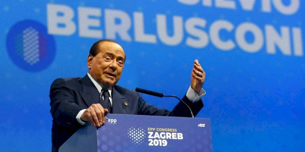 Con un principio de infección pulmonar: Silvio Berlusconi fue internado tras dar positivo por covid-19