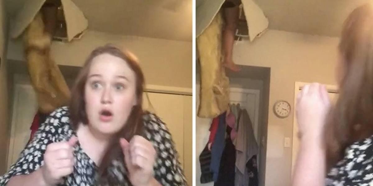 Estaba cantando en Tiktok cuando de pronto una mujer cae desde el techo