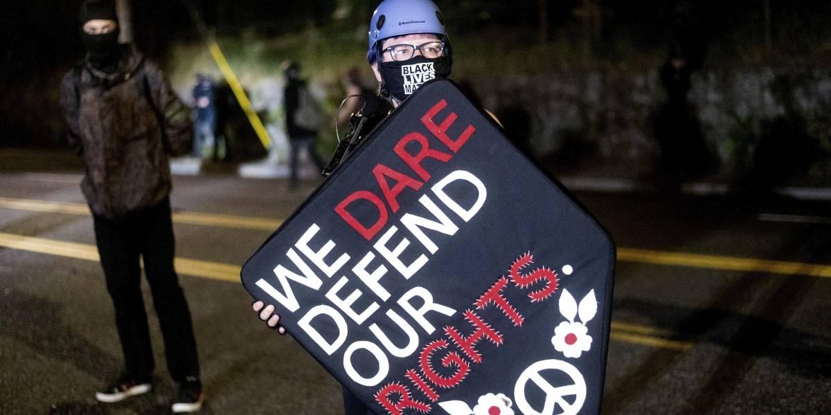Arrestan a 27 en Portland en el día número 100 de protestas