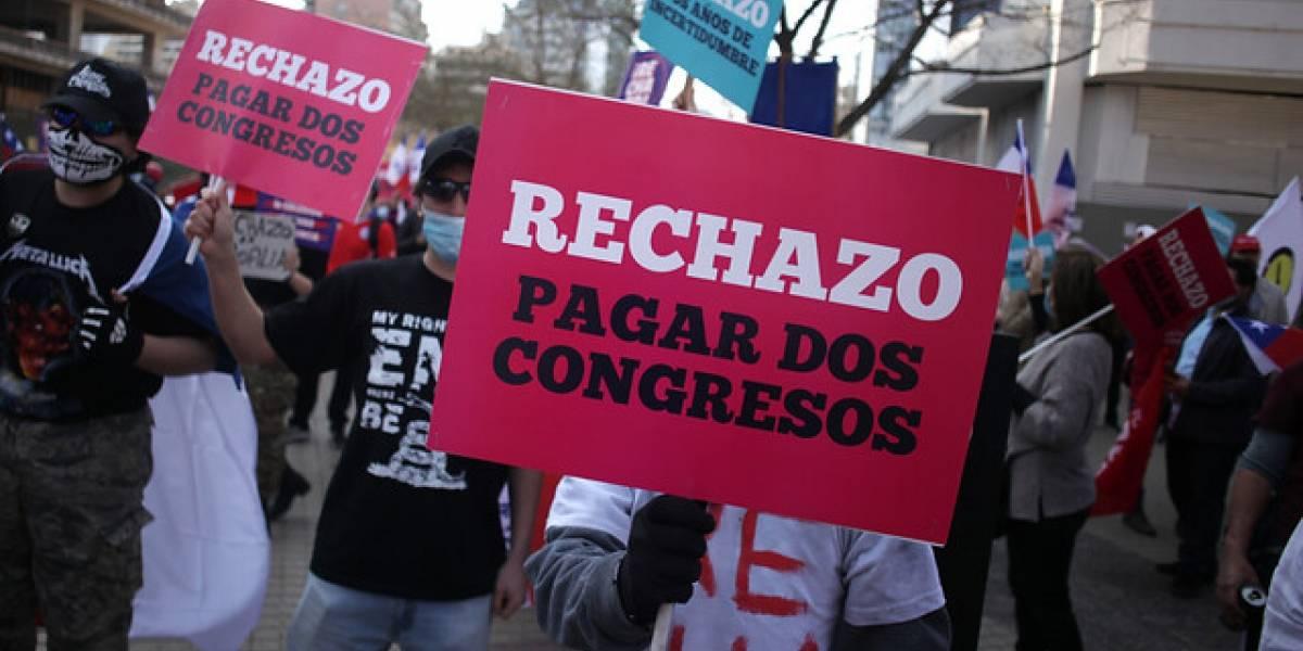 """¿Quién permite las marchas?: """"El Ejército nos autorizó"""", asegura organizador de manifestación por el Rechazo en Las Condes"""