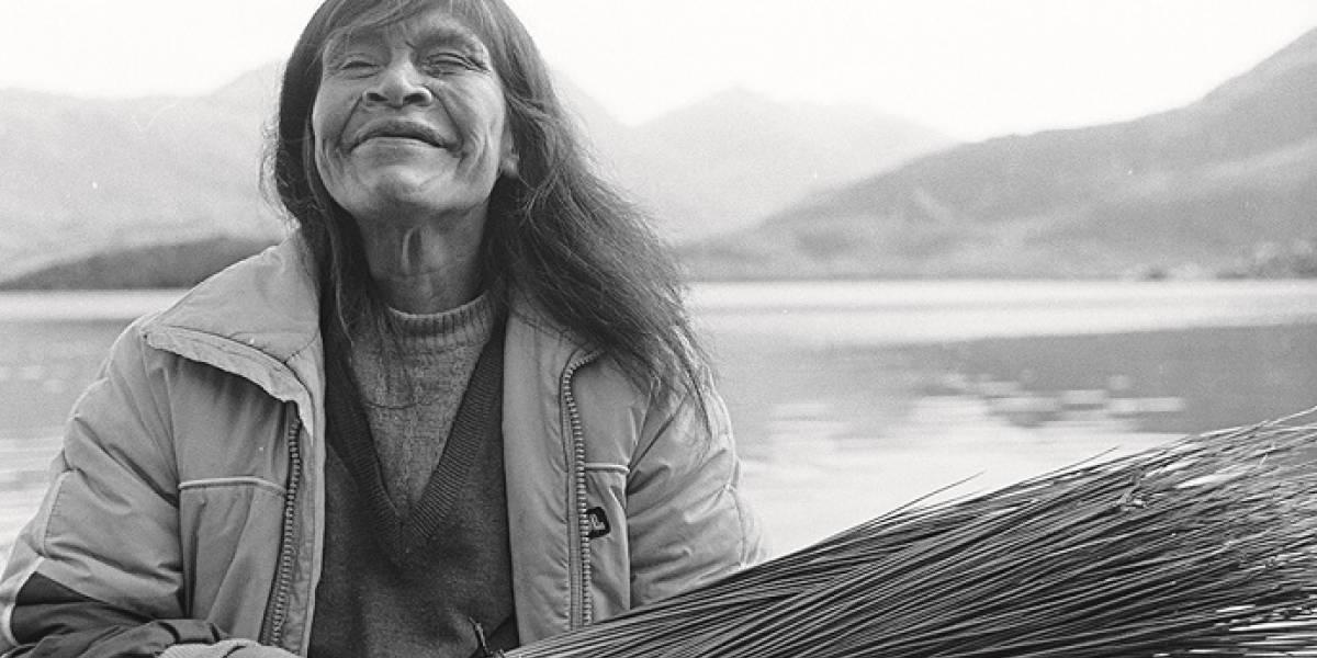 Murió una de las últimas mujeres de la comunidad kawéskar: Ester Edén se fue navegando al reencuentro con sus antepasados