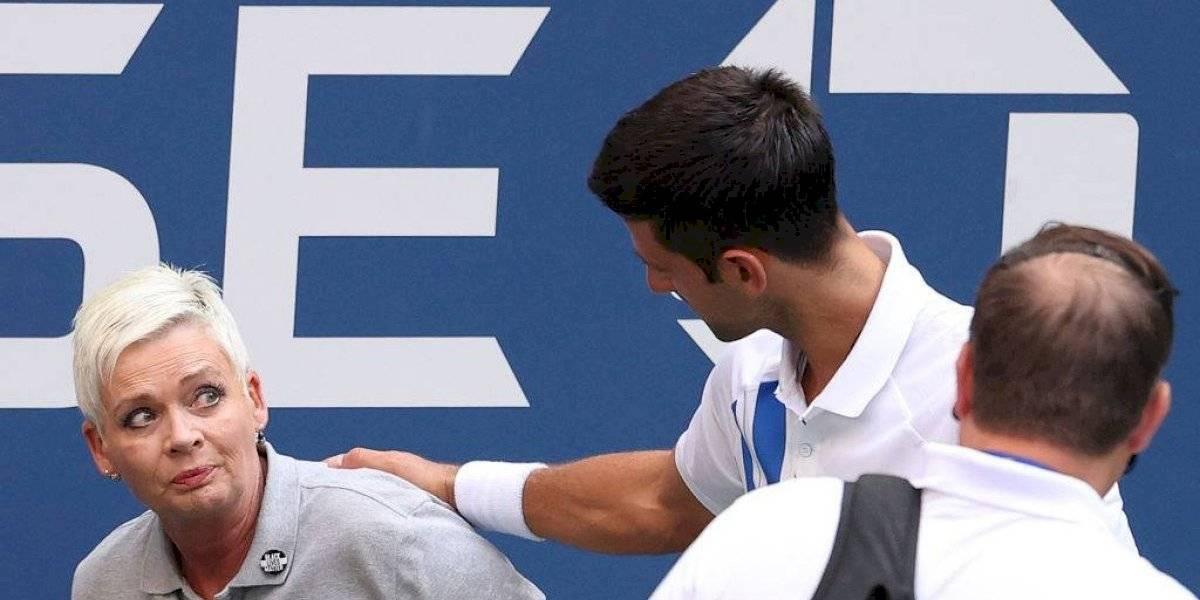 Descalifican a Djokovic del US Open por darle un pelotazo a una jueza