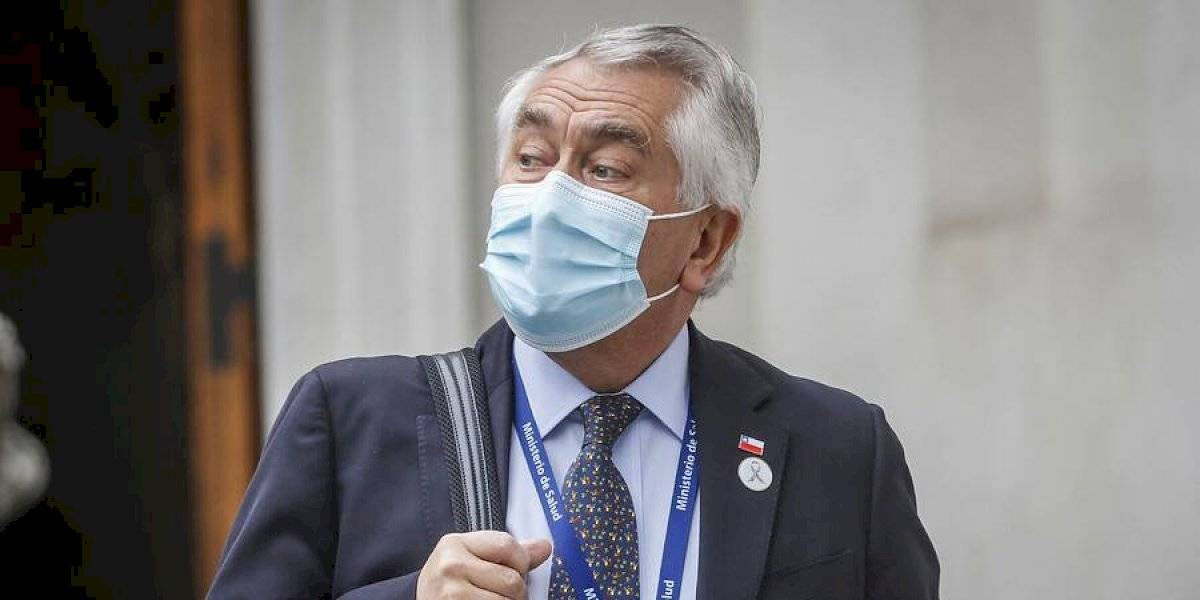 """Ministro Paris advierte por casos de coronavirus: """"Yo no iría de vacaciones al sur"""""""