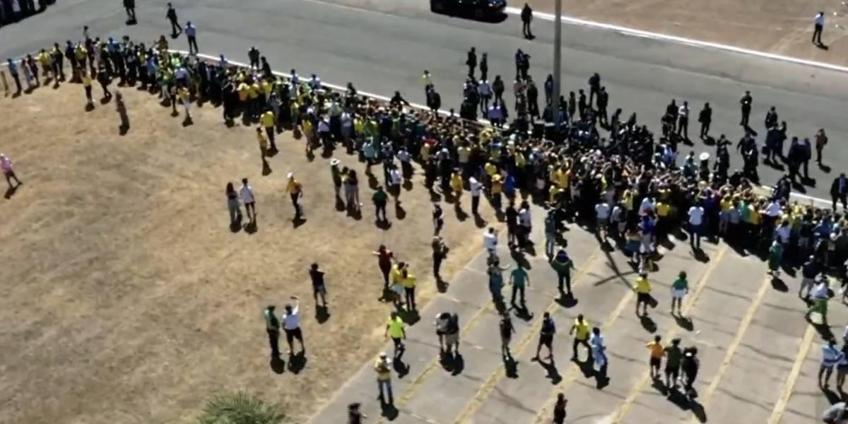 Dia da Independência: Palácio da Alvorada tem evento reduzido, mas com aglomeração