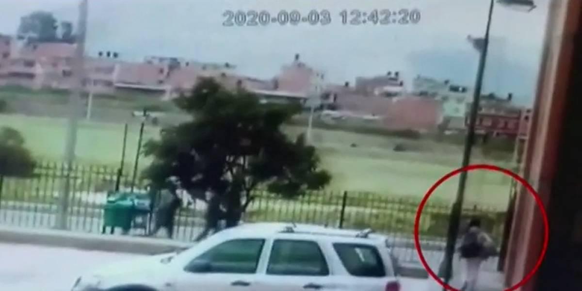 Con varias llamadas, ladrones engañaron a una niña para que entregara objetos de valor
