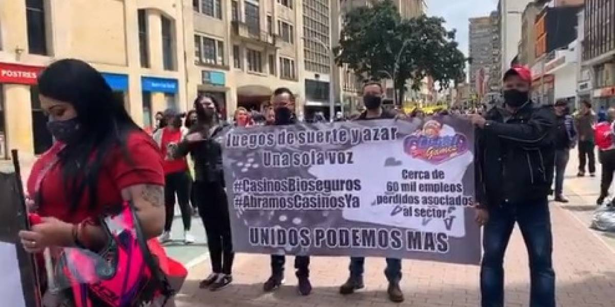 Casinos y billares protestan en el centro de Bogotá para exigir la reapertura