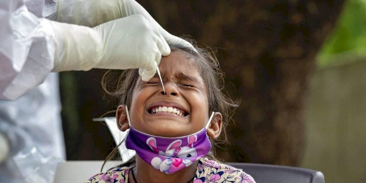 India bate su récord con 1.133 nuevas muertes por COVID-19