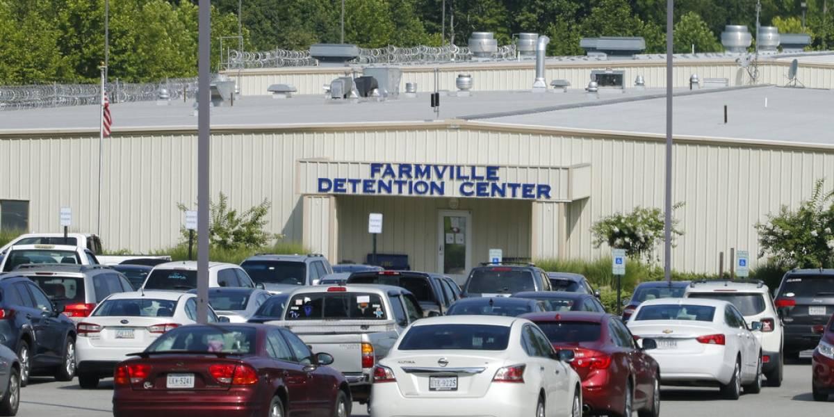 Reporte sugiere liberar a ciertos migrantes por COVID en Estados Unidos