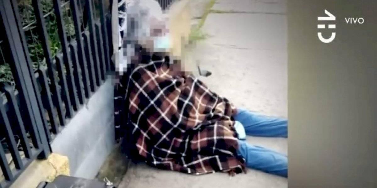 Indignación en Linares: hija echó a su madre de 76 años a la calle sólo con una maleta, una manta y un cojín