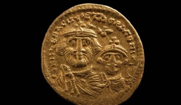 Moneda conseguida en Heracleion, antiguo puerto de Egipto.