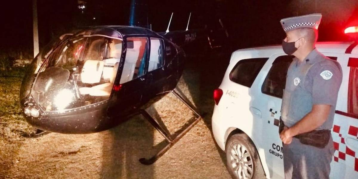 Helicóptero transportava 262 tijolos de pasta base de cocaína; piloto é preso