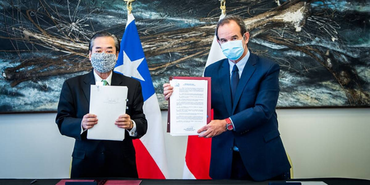 Japón realiza donación a Chile de US$ 4,6 millones en equipamiento médico para combatir el coronavirus