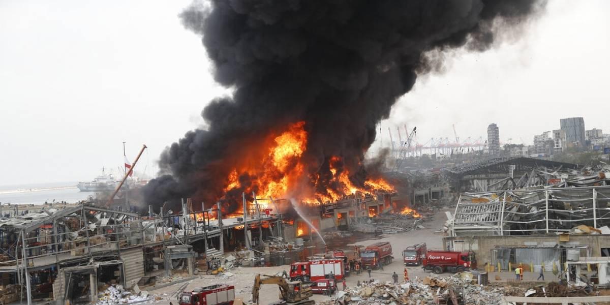 Gran incendio afecta al puerto de Beirut a un mes de la devastadora explosión