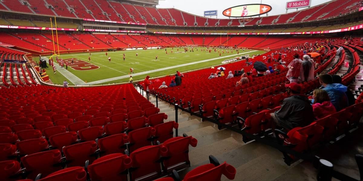 Inicio de NFL renueva temores de rebrote de COVID-19 en Estados Unidos