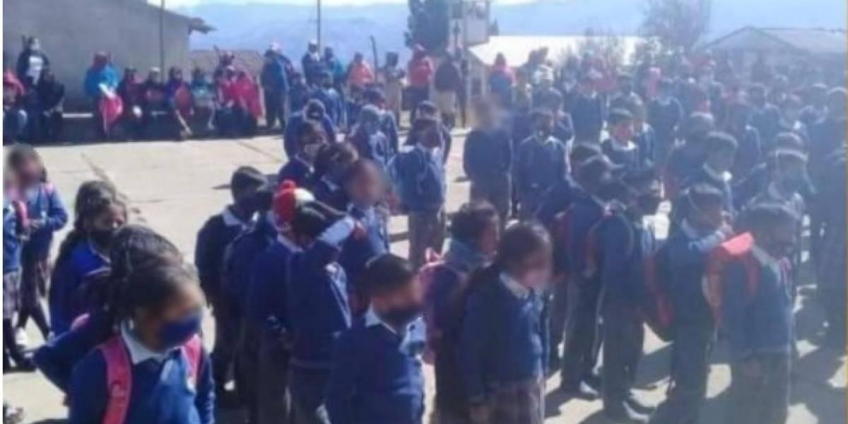 Remueven del cargo al rector de escuela que hizo inauguración presencial en Guaranda
