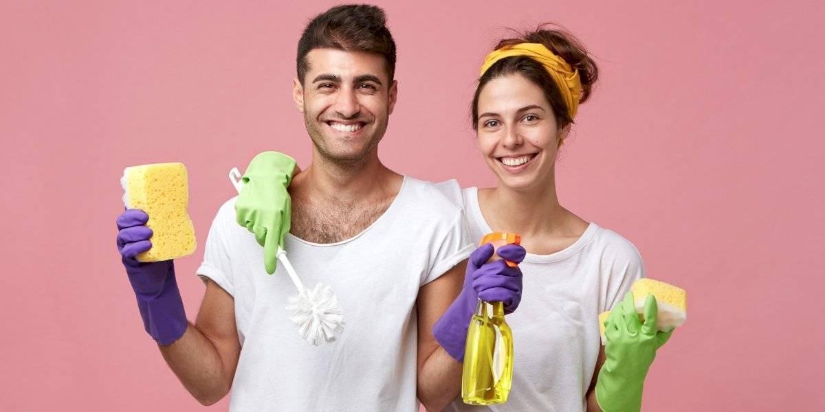 6 formas de limpar o banheiro com vinagre