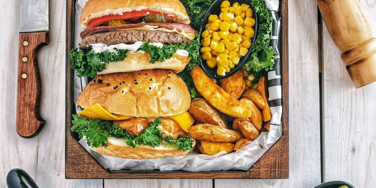 A receita de hambúrguer de grão de bico com apenas 4 ingredientes