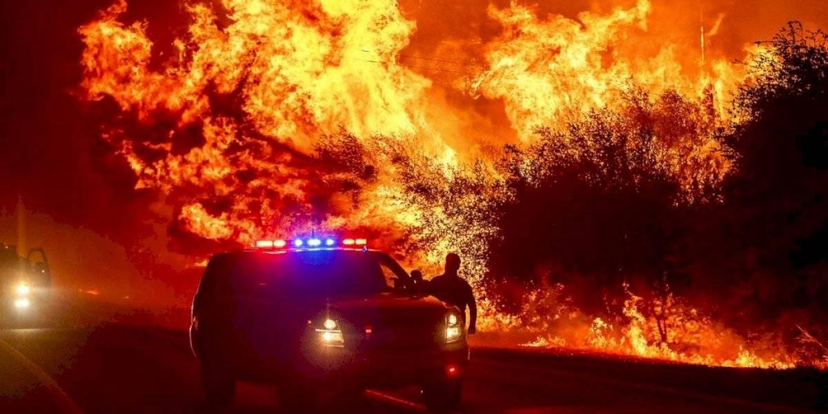 Al menos 10 muertos por incendio forestal en California