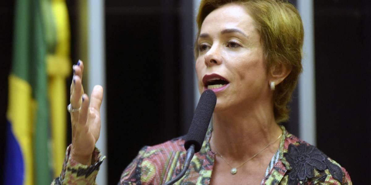 Ex-deputada Cristiane Brasil se apresenta para ser presa no Rio