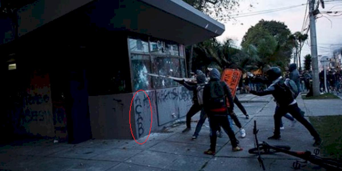 En medio de las protestas en contra de la Policía se ha visto la sigla A.C.A.B, ¿qué significa?