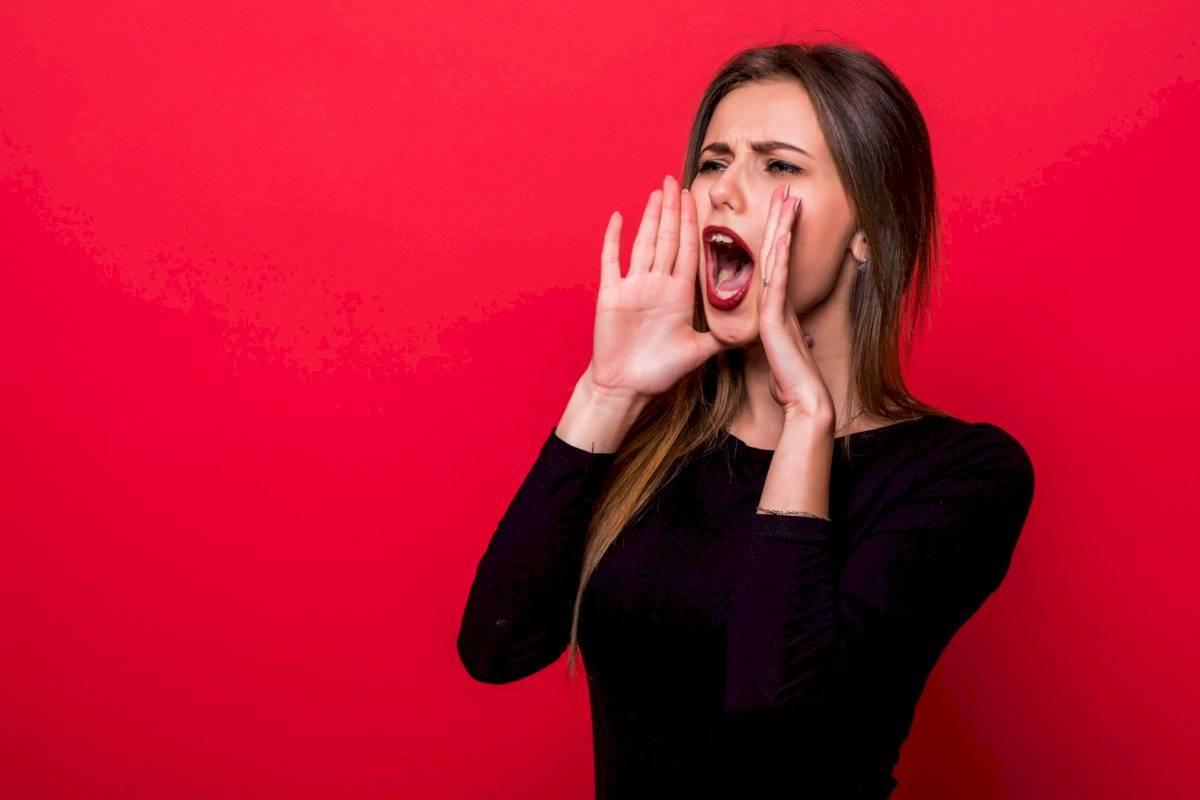Pronunciar todas las vocales con grandes gesticulaciones es un gran ejercicio