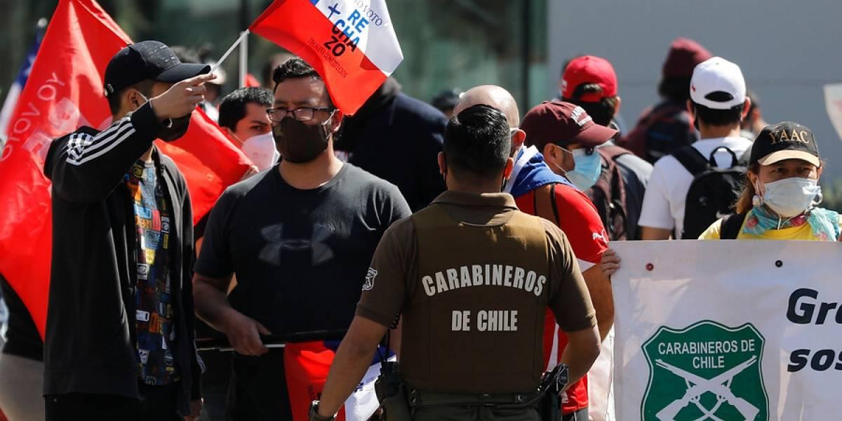 Adherentes por el Rechazo se reunieron en Las Condes bajo la custodia de Carabineros
