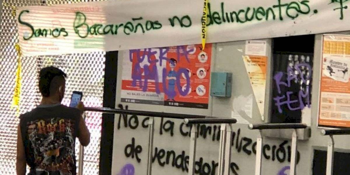 Fotos: Mujeres causan daños en estaciones Chabacano y Bellas Artes del Metro