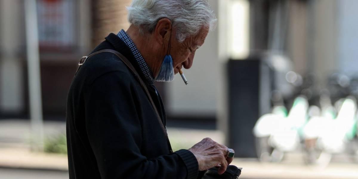 Zonas de fumadores, otro foco de riesgo para contagio de Covid-19