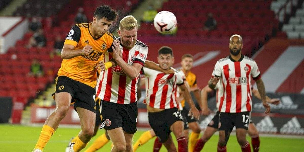 Raúl Jiménez anota y los Wolves superan fácilmente al Sheffield United